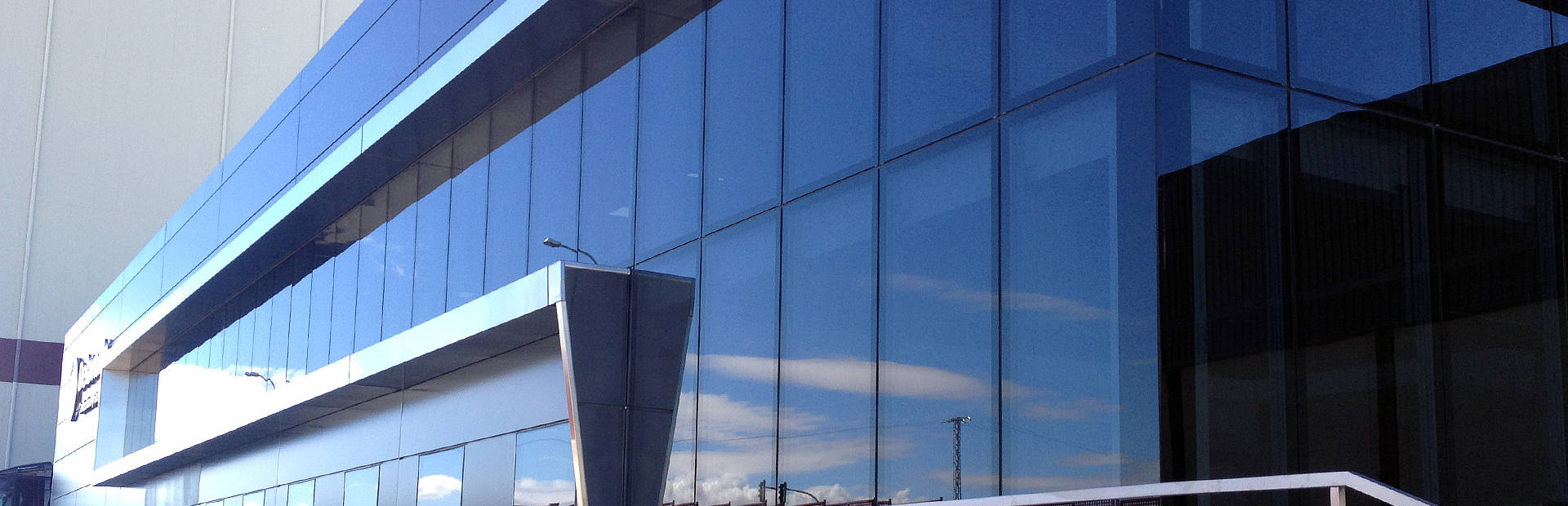 Q-Air glass curtain wall benefits
